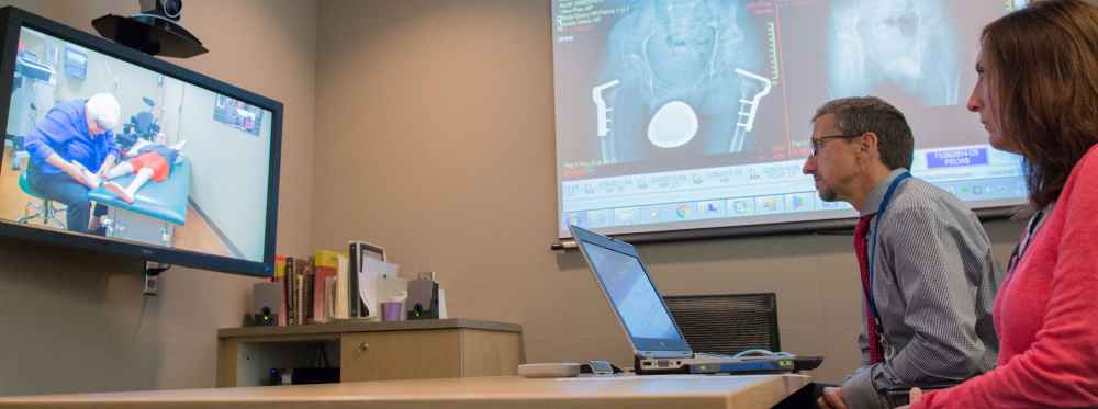Gillette Baxter clinic, telemedicine session with Gillette specialists