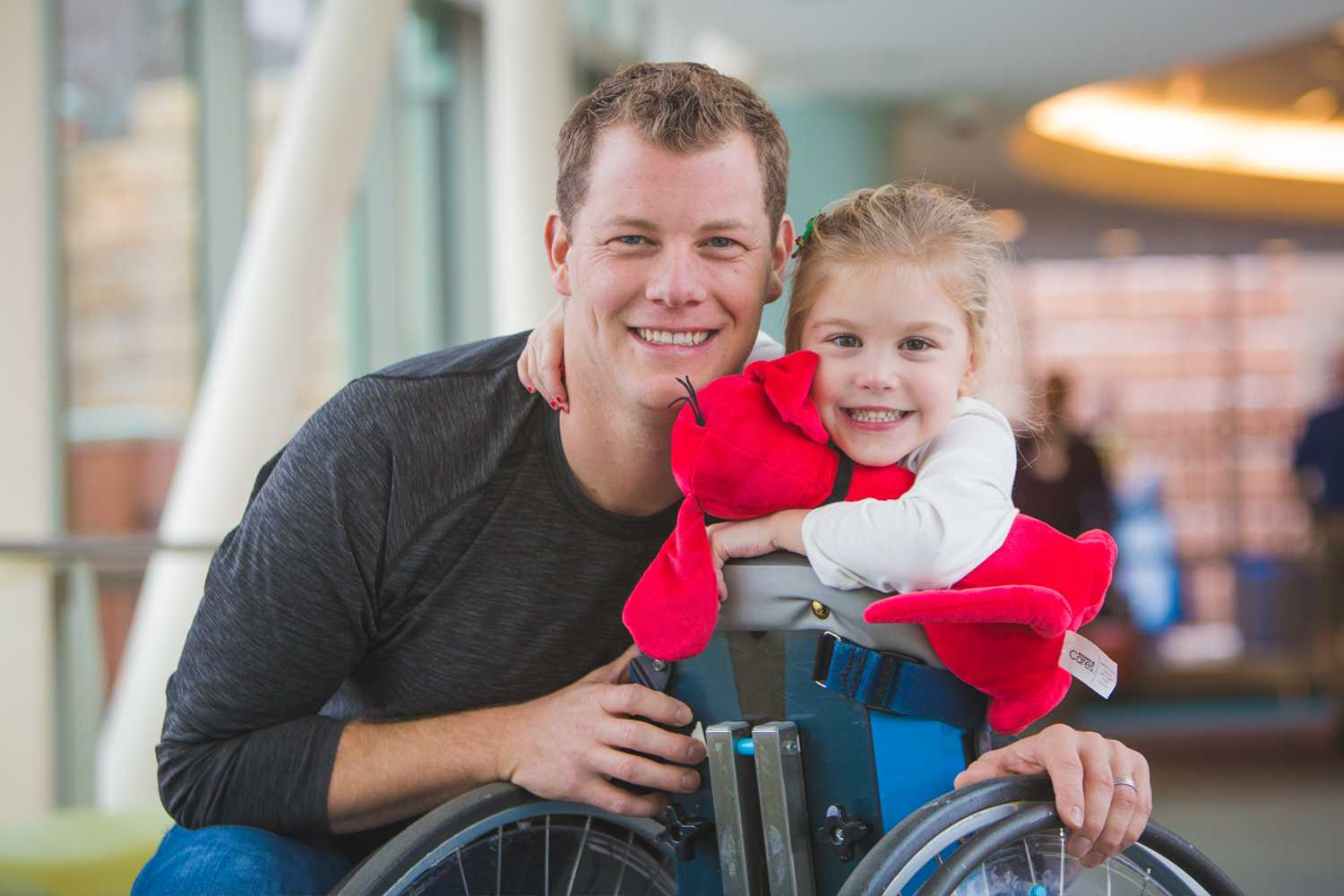 Gillette patient Teddy Bailey with her dad