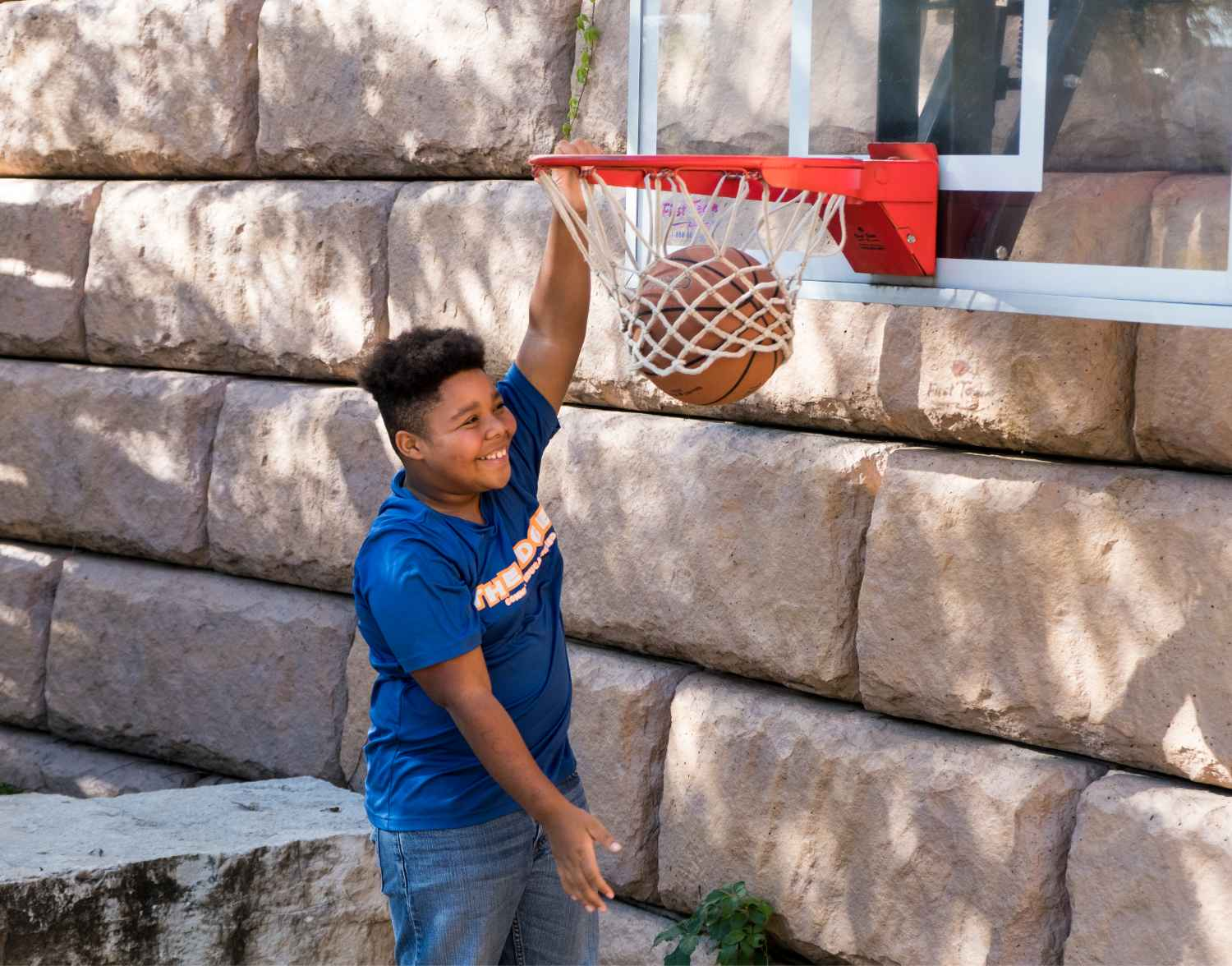 Roderick throwing the ball down