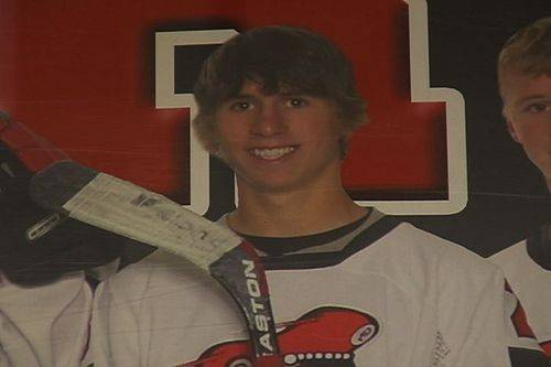 Old hockey photo of Landon